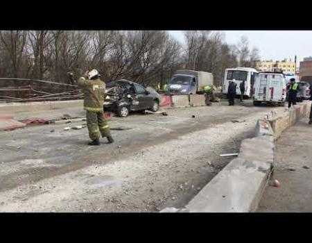 Embedded thumbnail for Автобус протаранил 12 машин в Рязани