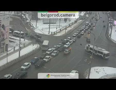 Embedded thumbnail for ДТП на проспекте Богдана Хмельницкого в Белгороде