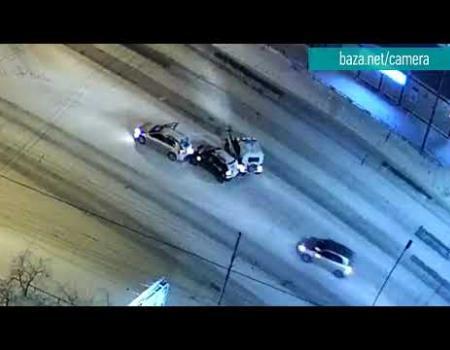 Embedded thumbnail for Полицейский УАЗ въехал столкнувшиеся авто