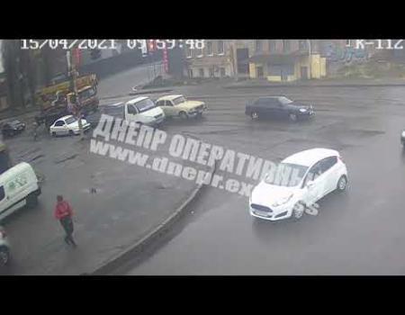 Embedded thumbnail for В Днепре грузовик сбил пенсионерку